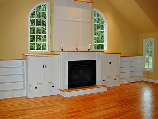 Arts & Crafts Style Great Room & Gas Fireplace